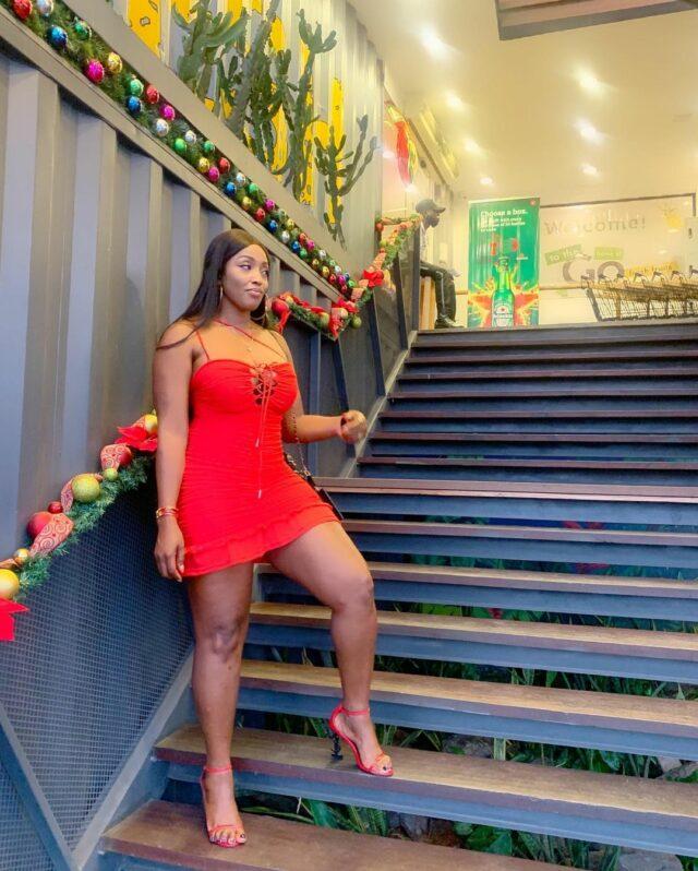 (Photos) Abidemi Awotale donne des sueurs froides à ses followers avec sa poitrine de rêve