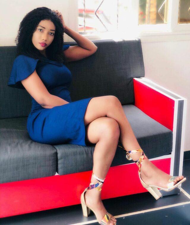 (Photos) Nana Aïdara : Quand l'animatrice met en relief ses belles jambes!