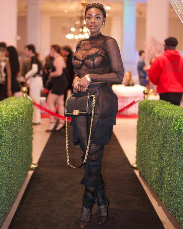 Photos – Newyork Taylor, la beauté noire qui « caramélise » les Etats-Unis